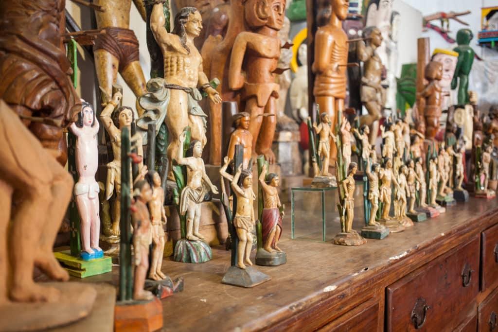 Jean Michel Bouhours Carlos Augusto Lira São Sebastião 1024x683 - Jean-Michel Bouhours encontra a arte popular no Recife