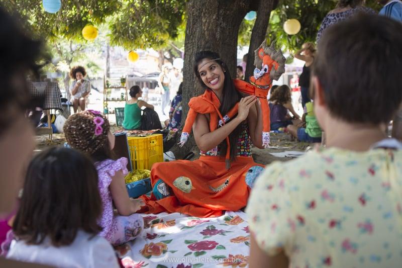 contação de historias primavera dona jardineira foto olivia leite - É tempo de ocupação com a Primavera Dona Jardineira