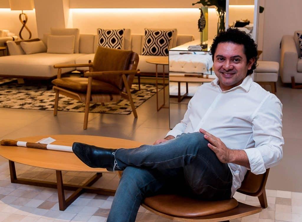 o arquiteto e escritor José Roberto Gouveia IMG 0853 1024x755 - Sintonia entre arquiteto e cliente no desenvolvimento dos projetos, vira tema de livro