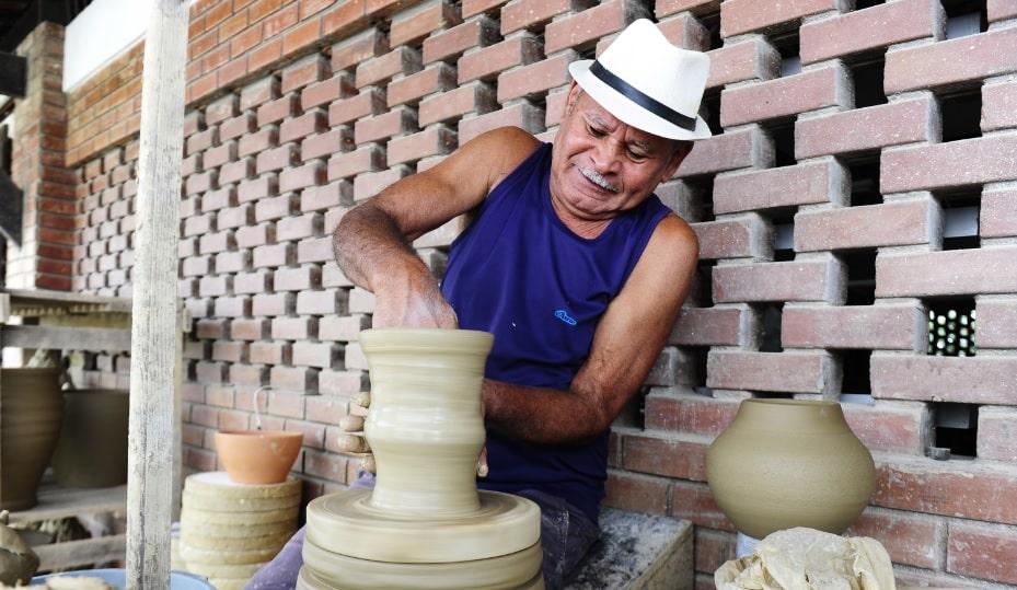 CENTRO10 - A arte em barro contada pelos Oleiros pernambucanos