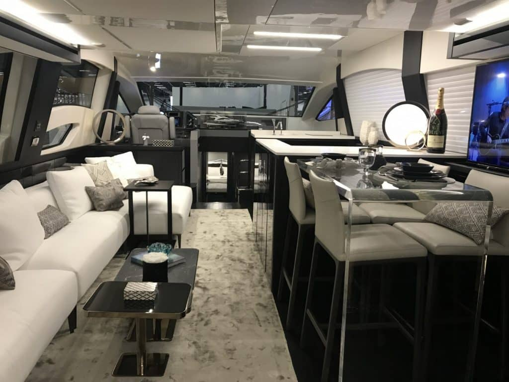 18 TECNOLOGIA NOS MATERIAIS 1024x768 - São Paulo Boat Show 2018 por George Casé
