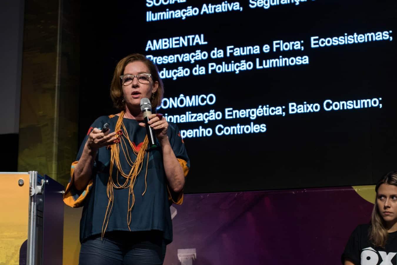 CLÁUDIA TORRES - Evento internacional no Recife discute iluminação pública