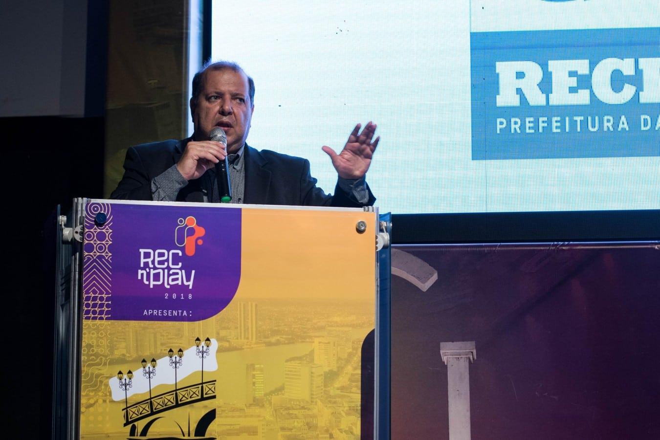 GIOVANI ANDRADE DE OLIVEIRA - Evento internacional no Recife discute iluminação pública