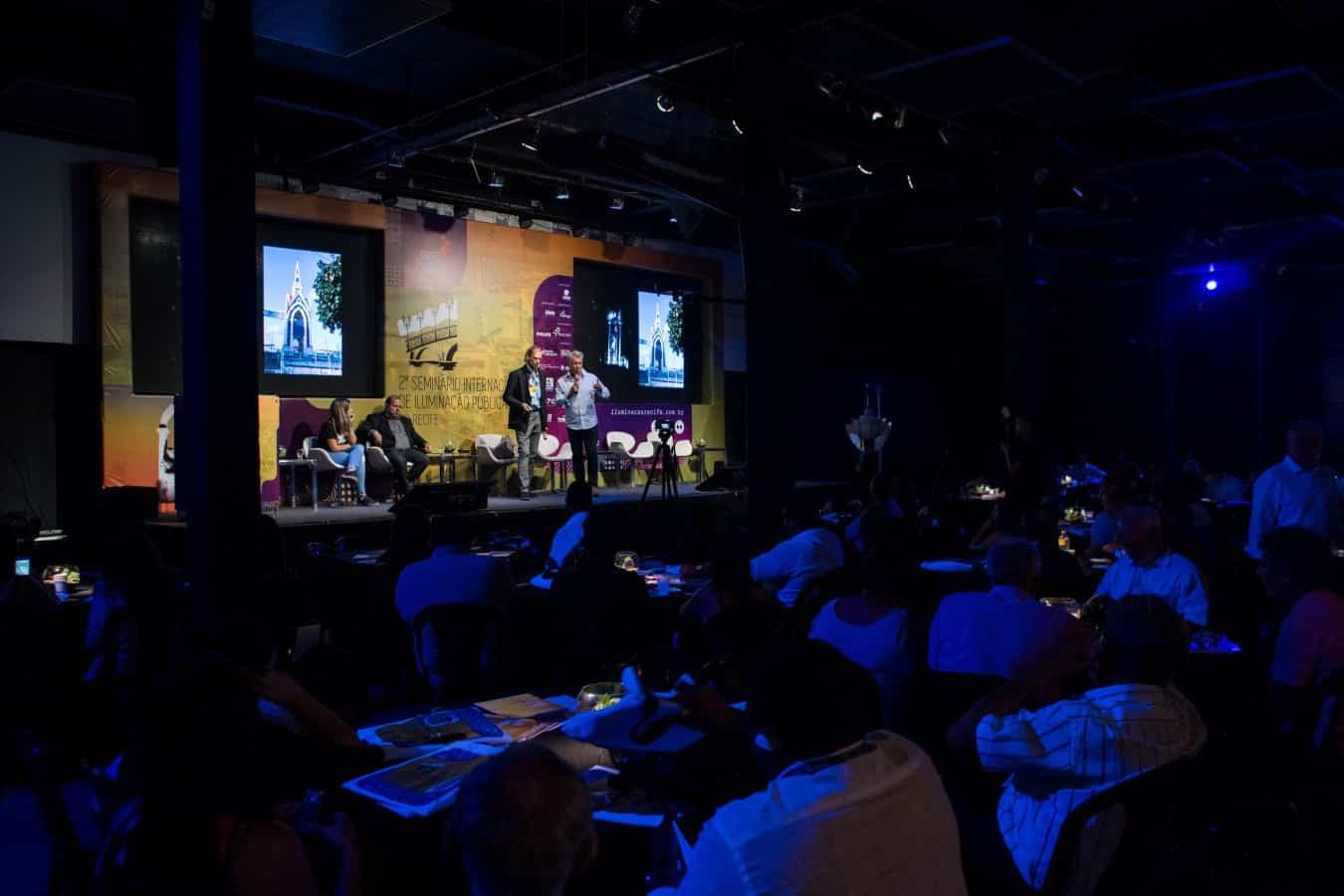 MESA REDONDA - Evento internacional no Recife discute iluminação pública